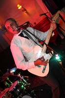 IAC Solo Covers Band in Oxfordshire