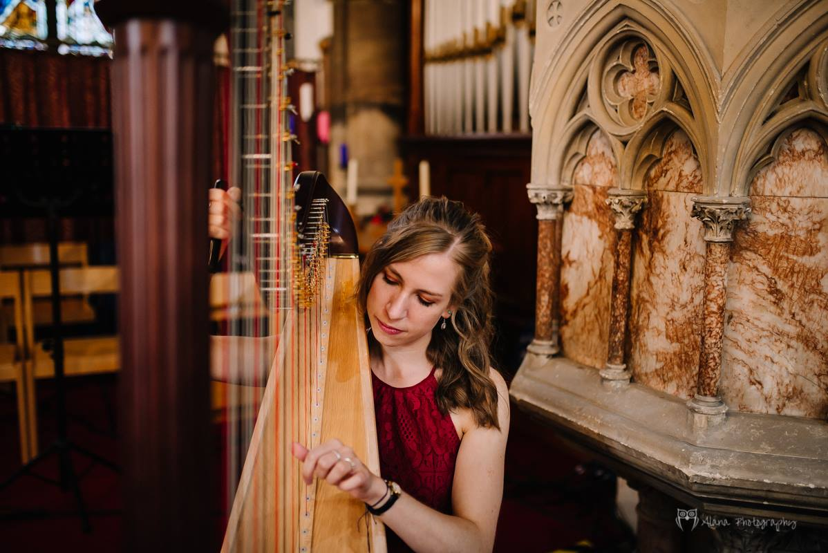 Harpist - Eleanor in Oxfordshire