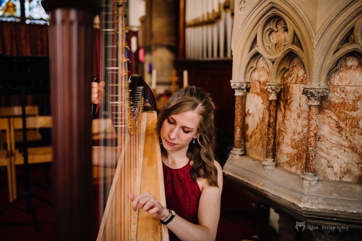 Classical Harp in Bedfordshire | Live Harpist Hire | Wedding Harpists